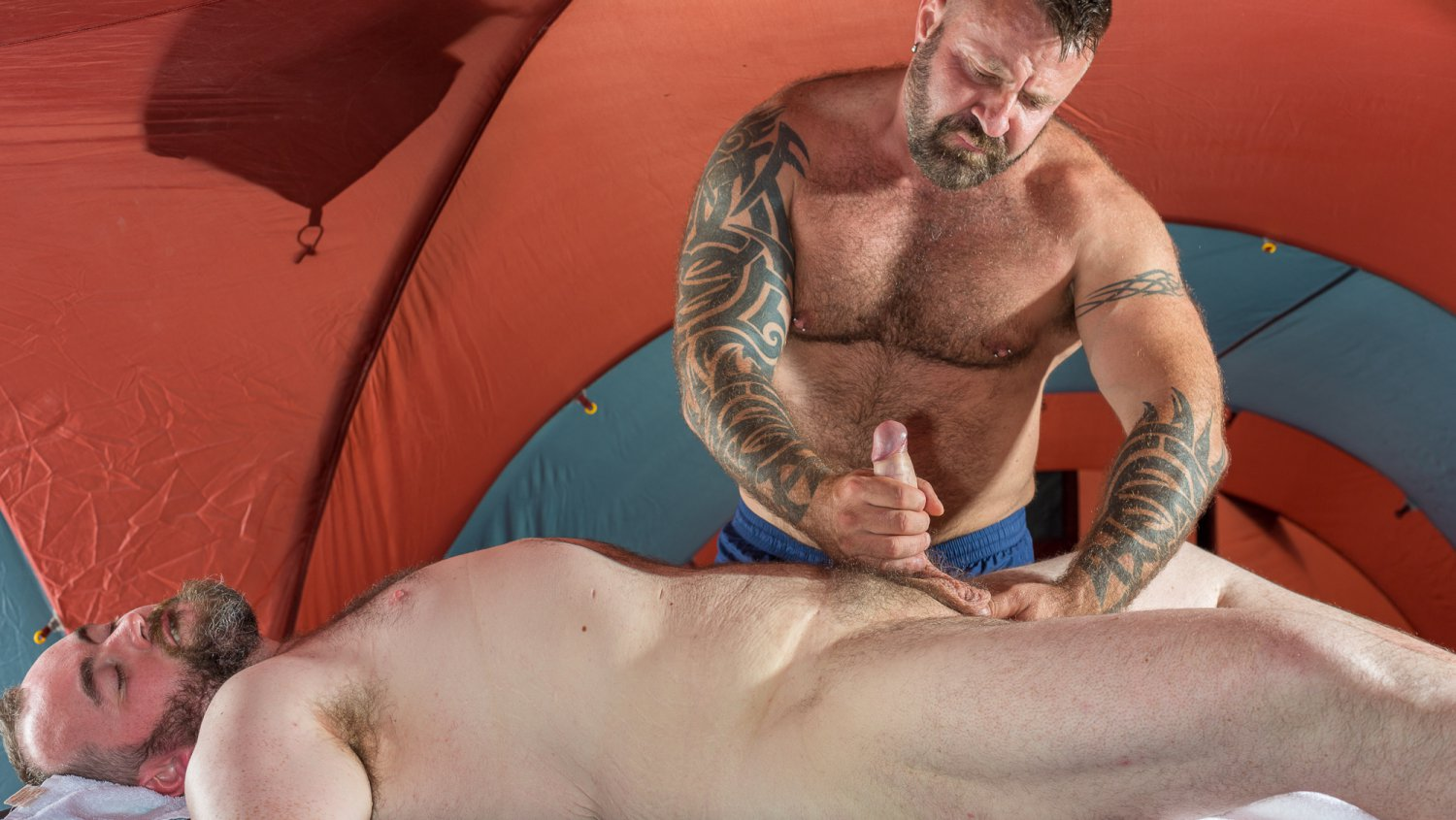 Bear Films Gay Bear Sex Marc Angelo and Trevor Fentiman - Handjob